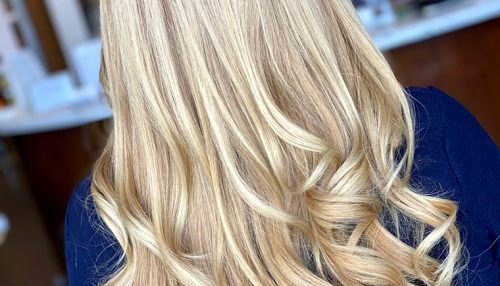 Blowout with Waves on Blonde Hair
